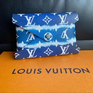 Louis Vuitton Escale Kirigami Pochette